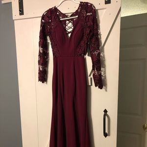 Burgundy long dress with lace sleeves
